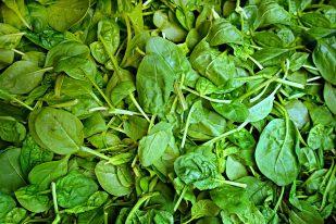Photo From: Ensalada Espinacho Sin Tocino! (Spinach Salad no bacon!)